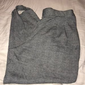 Pants - Houndstooth Plus Size 20/22 Stirrup Pants